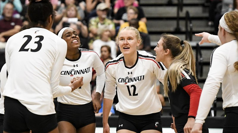 SURVIVE AND ADVANCE! Bearcats Continue to Dance After First Round Victory